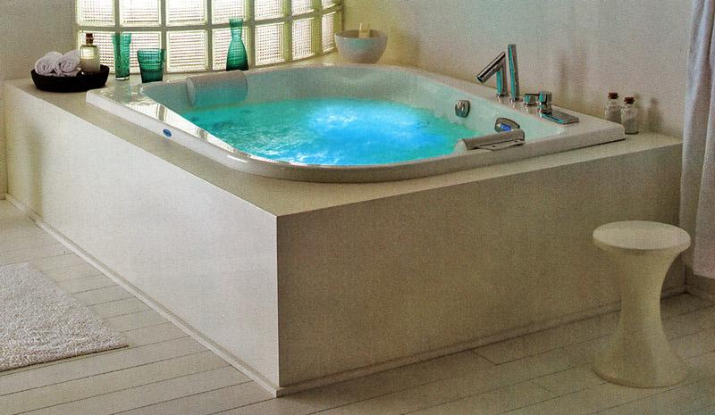 Le bain for Comdestockage baignoire balneo